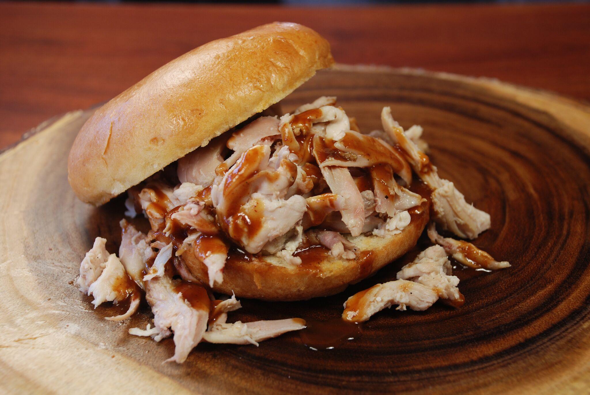 sandwich-pulled-chicken